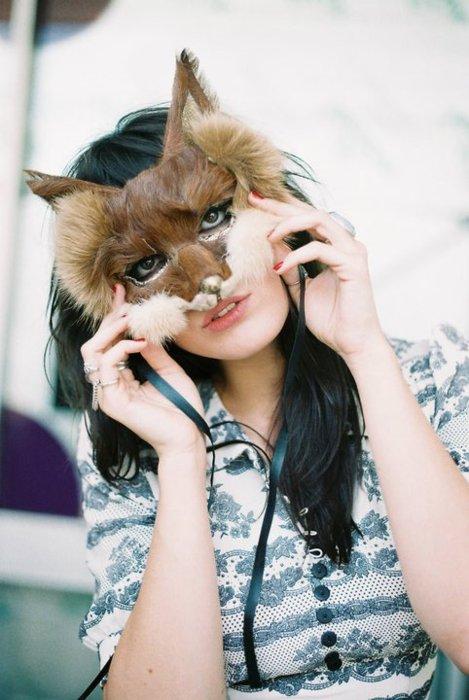 Daisy-Lowe-mask1