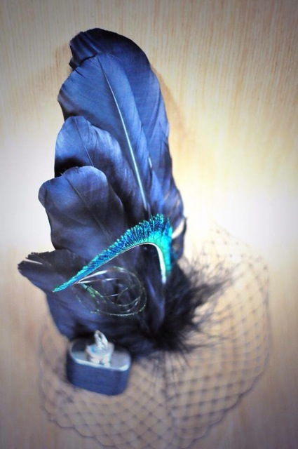 raven feather fascinator